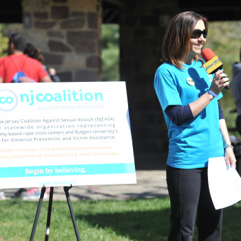 NJCASA Executive Director Patricia Teffenhart thanks the participants for their support. © Pitelli Photography
